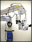 ドイツ製手術用顕微鏡を使用